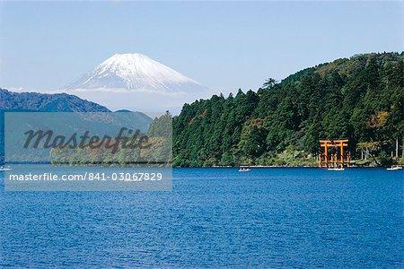 Lac Ashino-ko, Mt. Fuji en arrière-plan, Japon