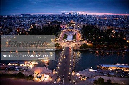 Bords de Seine et fontaine Trocadero, Paris, France