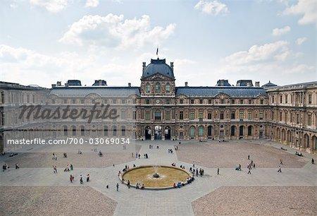 Le Musée du Louvre, Paris, France