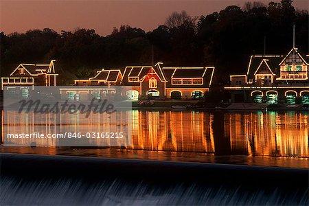BOOTSHAUS ZEILE IN PHILADELPHIA, PENNSYLVANIA SCHUYLKILL RIVER