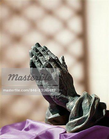 REPLICA IN BRONZE OF ALBRECHT DURER'S PRAYING HANDS