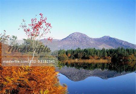 Ballinahinch et douze broches montagnes du Connemara, Galway, Irlande