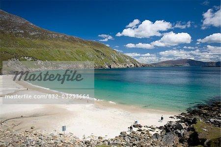 L'île d'Achill, comté Mayo, Irlande ; Plage de sable blanc à Keem Strand