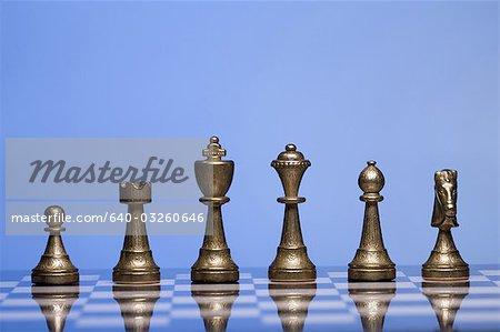 Échiquier et pièces d'échecs