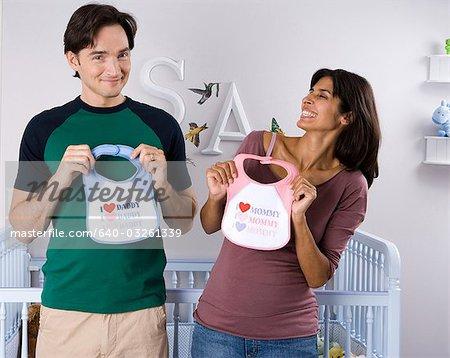 Couple marié avec bavettes