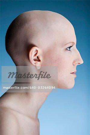 Frau Glatze Stockbilder Masterfile Premium Rf Lizenzfrei