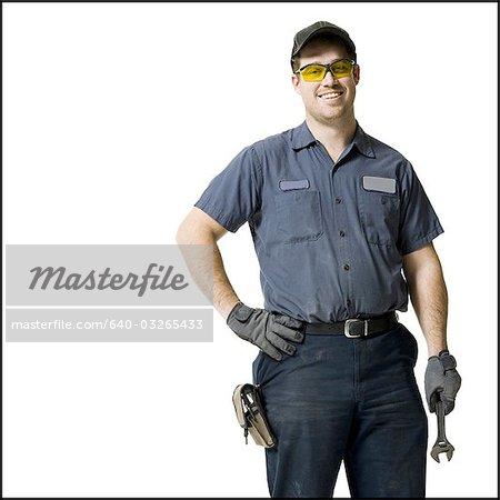 Mechaniker mit einen Schraubenschlüssel