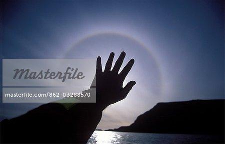 Un « halo solaire » autour du soleil