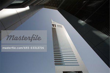Vue sur Dubai, Émirats Arabes Unis, Emirates Towers sur Sheikh Zayed Road, Dubaï