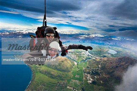 Tandem parachutisme sur le Remarkables, Queenstown, île du Sud, Nouvelle-Zélande