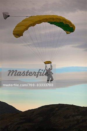 Tandem parachutisme sur le Remarkables, Queenstown, île du Sud, Nouvelle-Zélande Île du Sud, Nouvelle-Zélande