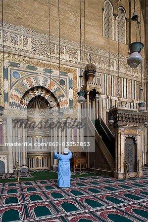 Le minbar et mirhab de la mosquée du Sultan Hassan, achevée en 1362, une des plus impressionnantes mosquées au Caire