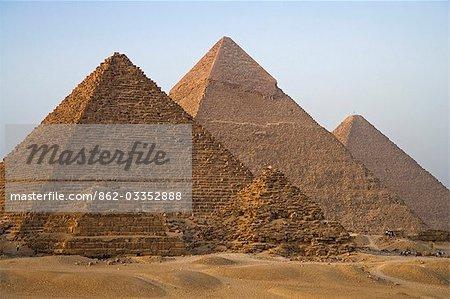 Le pyamids à Giza, Égypte