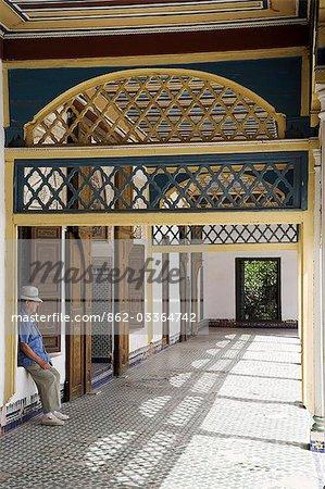 Le Palais de la Bahia fut la résidence du Grand Vizir à la fin du XIXe siècle. Son opulence a suscité l'envie du Sultan, qui avait le palais pillé à la mort du vizir.