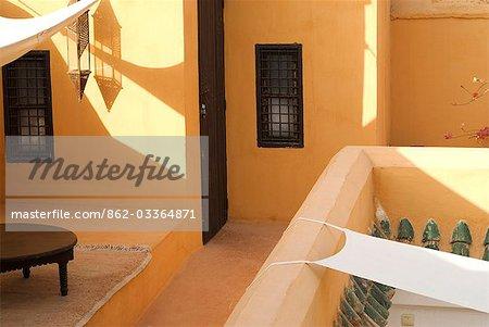 Maroc, Marrakech. Détails de Riad Baraka. Un Riad est une maison marocaine traditionnelle ou le palais avec un jardin intérieur. De nombreux riads sont maintenant utilisés comme Hôtels ou restaurants et faire un séjour paisible de l'agitation à l'extérieur.