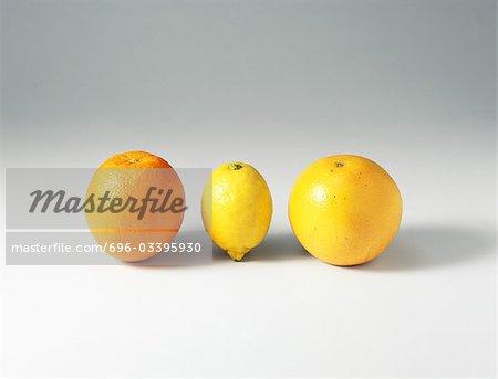 Orange, citron et pamplemousse