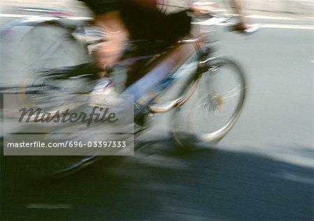 Personne circonscription vélo, section inférieure, floue.