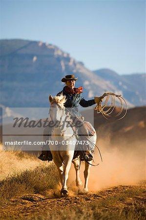 Cowgirl mit Seil, Reiten, Quarter Horse, Wyoming, USA