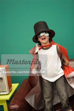 Petit garçon portant costume