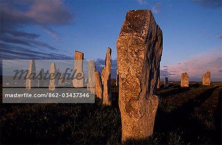 Détail de modèles pierres & complexes au sein de la formation rocheuse au coucher du soleil à Callanish sur pied. Cercle de pierres ancient qui remontent à l'époque néolithique, Callanish est la plus spectaculaire site préhistorique dans les Hébrides et est parfois dénommé le Stonehenge d'Écosse