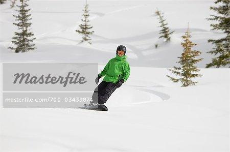 Snowboard homme près de Steamboat Springs, Colorado, USA