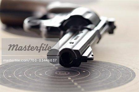 Pistolet et cible