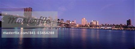 Skyline de Manhattan et de Brooklyn Bridge, New York City, New York, USA, l'Amérique du Nord