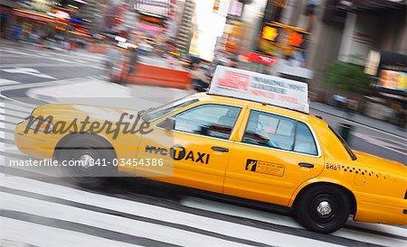 Taxi à Times Square, Manhattan, New York City, New York, États-Unis d'Amérique, Amérique du Nord
