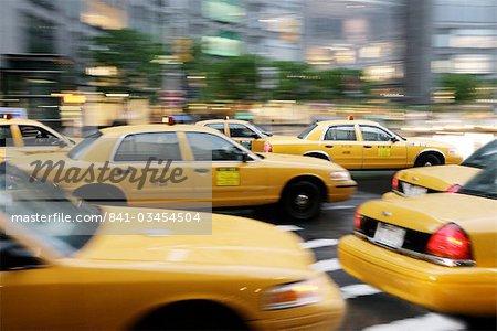 Déplacement des taxis de New York, Manhattan, New York, États-Unis d'Amérique, l'Amérique du Nord