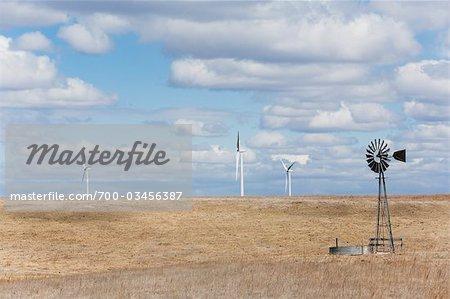 Éoliennes et moulin à vent, Colorado, USA