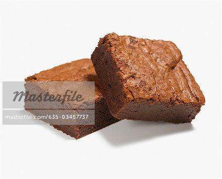 Nahaufnahme von zwei Schokolade brownies