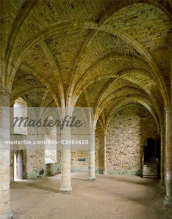 Abbaye de la bataille. Salle des novices, South end of Dorter.