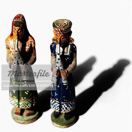 Vue grand angle de figurines