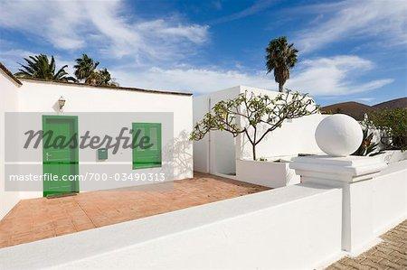 Maison avec palmiers, Yaiza, Lanzarote, îles Canaries, Espagne