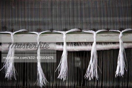 Métier à tisser en tissage, gros plan de tissage reed