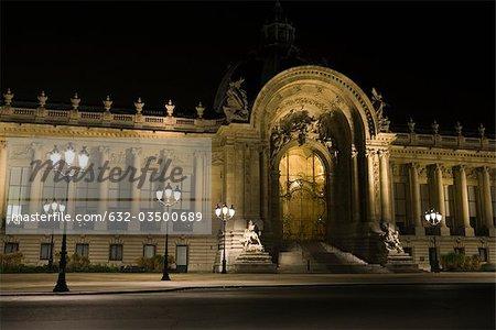 France, Paris, Musée du Louvre de nuit