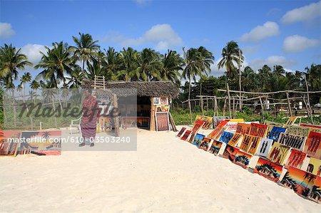 Tanzanie, Zanzibar (île d'Unguja), Pwani Mchangani beach, magasin de peinture.