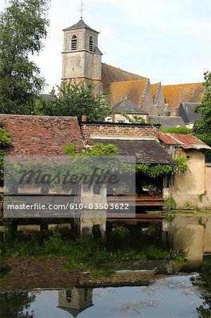 France, Centre, Brou, église et laver la maison
