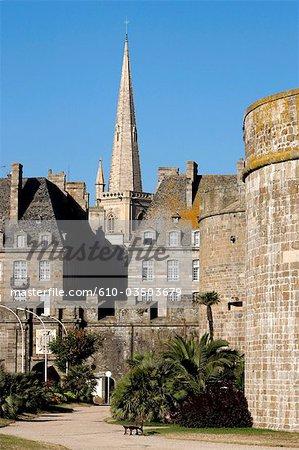 France, jardin de Bretagne, Saint Malo, des douves