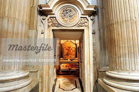 Place d'Italie, Roma, di Campitelli, Santa Maria in Campitelli