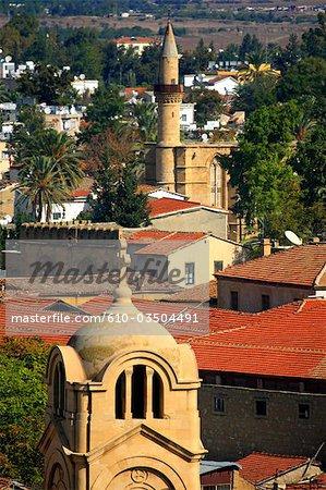 Chypre, Nicosie, église de Panayia Faneromeni et la mosquée du Sultan Selim au dos