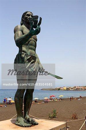 Spanien, Kanarische Inseln, Gomera, Valle Gran Rey, Hautacuperche statue