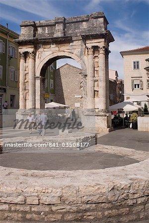 Arc de triomphe du Sergi, Pula, Istrie, Croatie, Europe