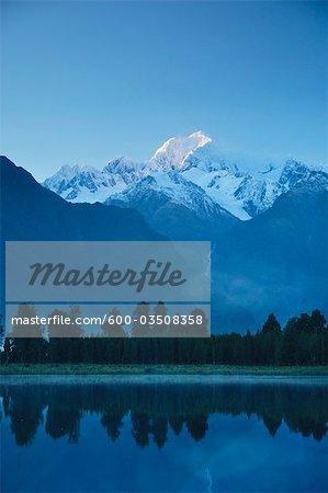 Lake Matheson and Mount Tasman, Westland Tai Poutini National Park, West Coast, South Island, New Zealand