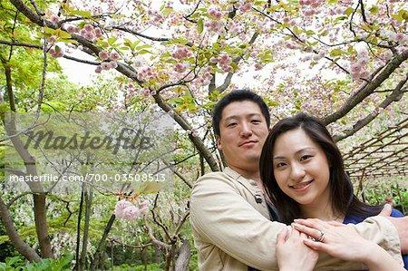 Couple, Heian Shrine, Kyoto, préfecture de Kyōto, région du Kansai, Honshu, Japon
