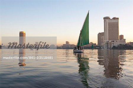 Une felouque sur le Nil, le Caire, en Égypte, en Afrique du Nord, Afrique