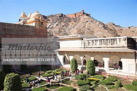 Jardin, Palais d'Amber Fort Jaigarh Fort ou Fort victoire au-dessus, Jaipur, Rajasthan, Inde, Asie
