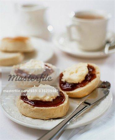 Scones with clotted cream, jam and tea (UK)
