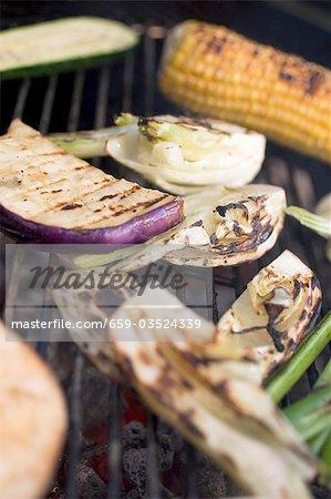 Légumes sur le barbecue