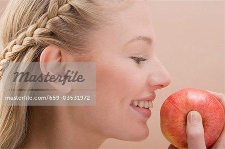Apple tenue rouge femme
